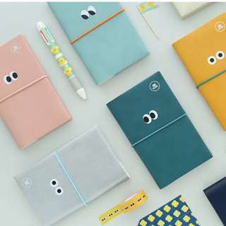 2018 SOM Diary Weekly Planner Notebook