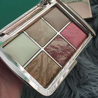 Hour glass palette