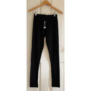 H&M black leggings, medium