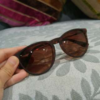 Brown tortoiseshell sunnies