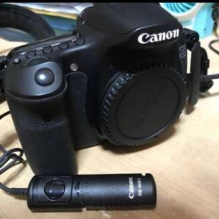 Canon 60d body with low shutter count and accessories