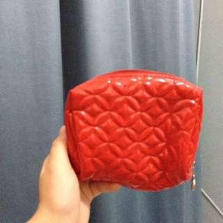 Makeup pouch/ Tempat makeup / tas makeup merah