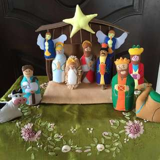 ~Tell the Christmas story~ Handmade Felt Cloth Nativity Miniature Set with Stable gift 🎁 Exceptional quality and value Bethlehem The Holy Land