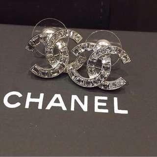 Authenthic A88375 Chanel double C earrings with Square Baguette