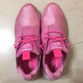 Reebok classic 粉紅運動鞋 25號