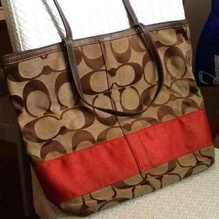 Coach側袋 (6成新,左下角有些損毀)
