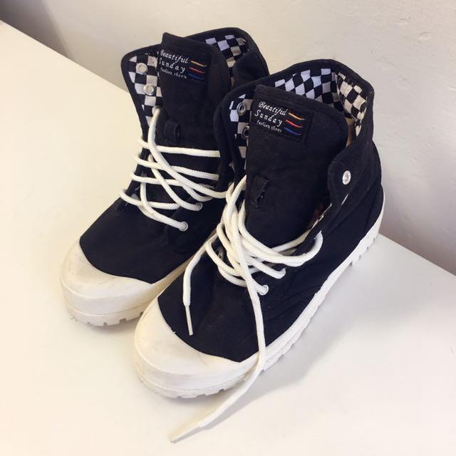 9成新帆布鞋便宜出清~