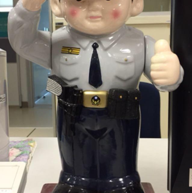 陶瓷警察存錢筒