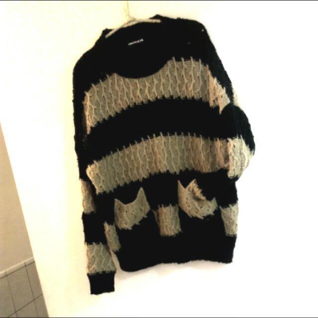 編紋針織上衣