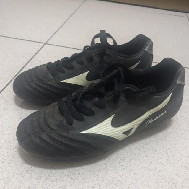 美津濃足球鞋