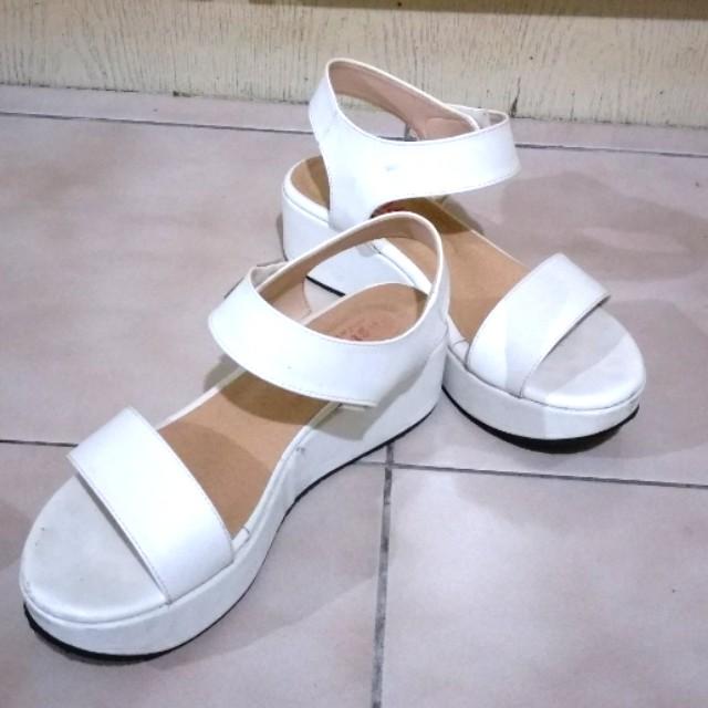 白色 厚底 涼鞋