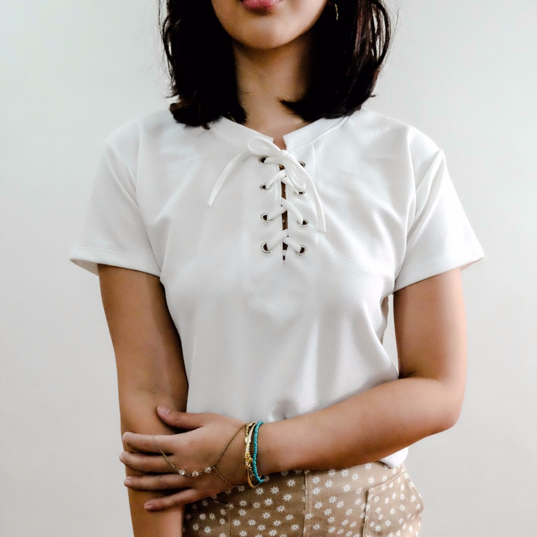 B14 WHITE TIE CROPPED TOP