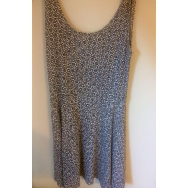 Cute gray summer dress!