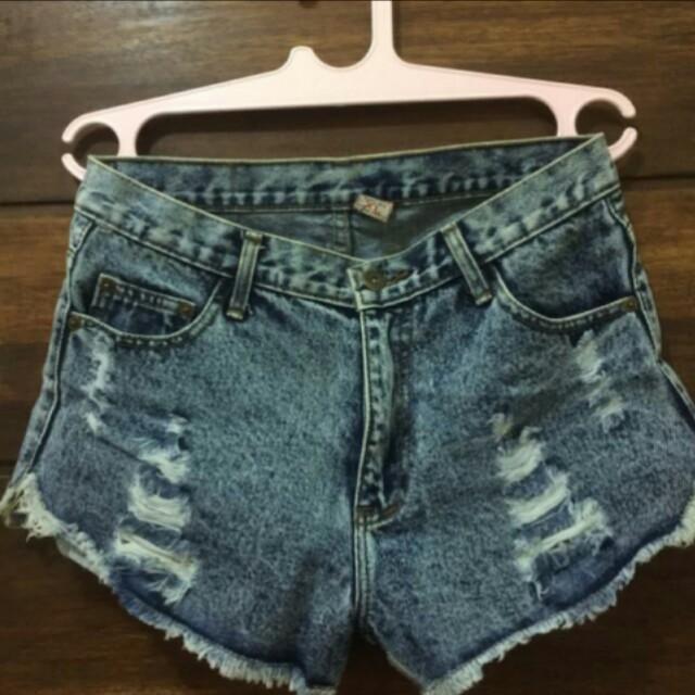 Disc. 10k + free ongkir highwaist short jeans