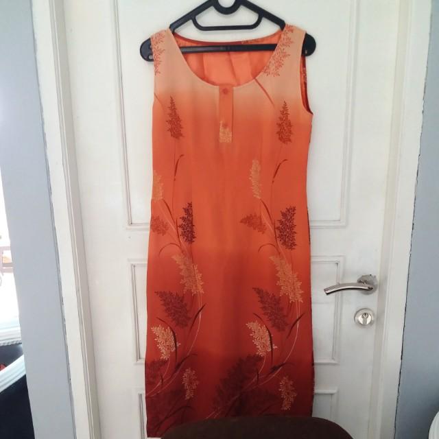 Dress, no brand, panjang: 10cm dibawah lutut. Size L, ada puring dalem