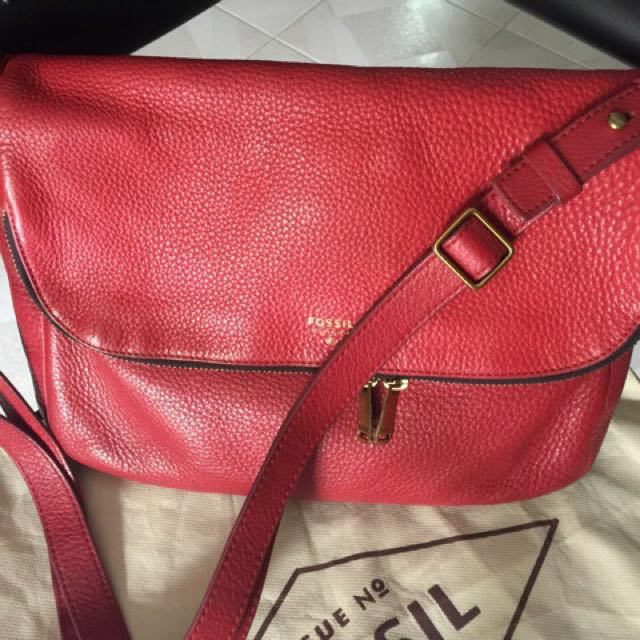 Fossil preston red large