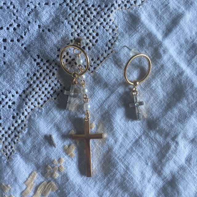 Gold hoop cross earrings