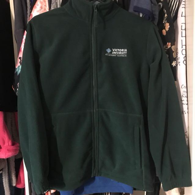 Green fleece jumper (size kids 14 adults 10-12)