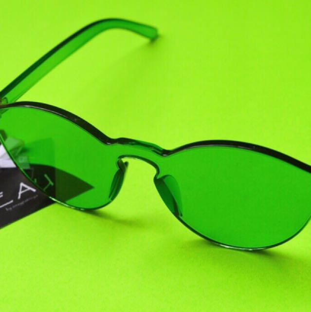 Green jelly sunnies