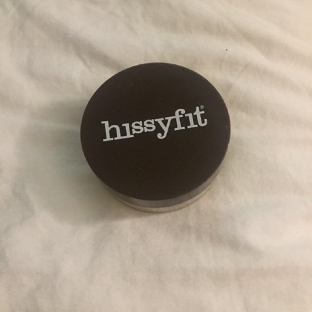 Hissyfit face powder barely used. Wasn't my colour