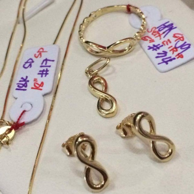 Infinity 18K Saudi Gold Jewelry Set Luxury Accessories on Carousell