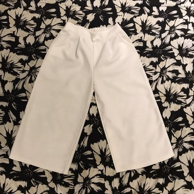 Item 28: White pants