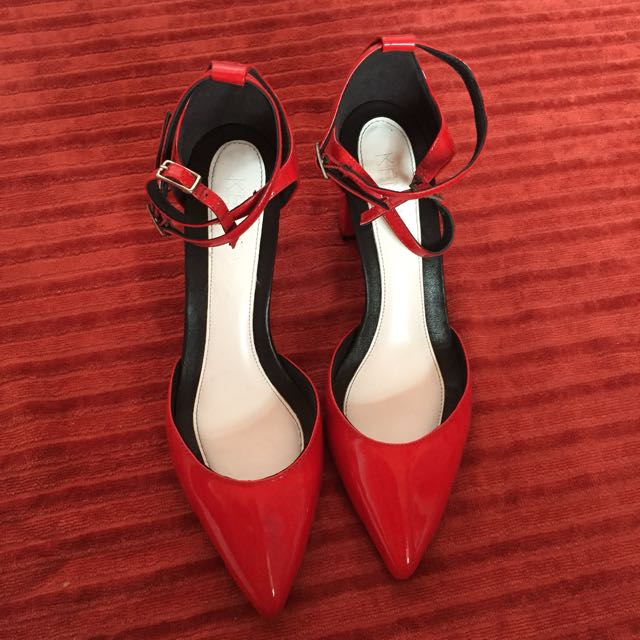 Kenzo pointed sandals