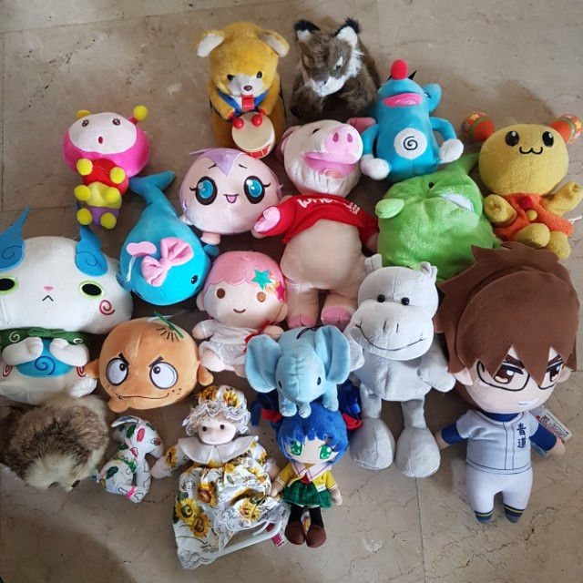Lot of Assorted Stuffed Toys