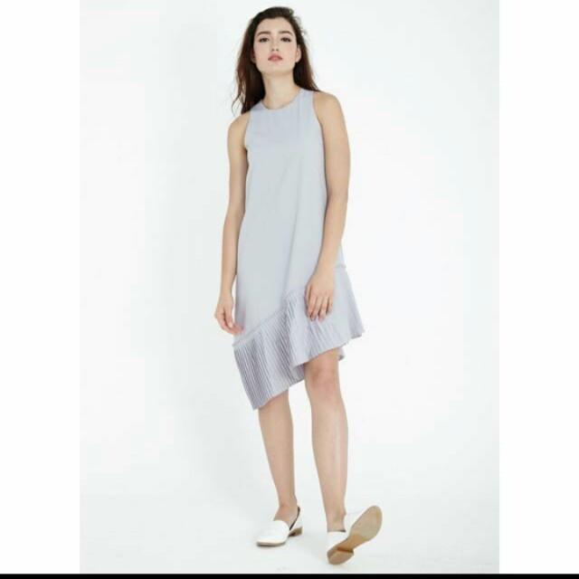 adaab2ce8b71 Lovengold Quinn Asymmetrical Dress in Lilac Grey size S, Women's ...