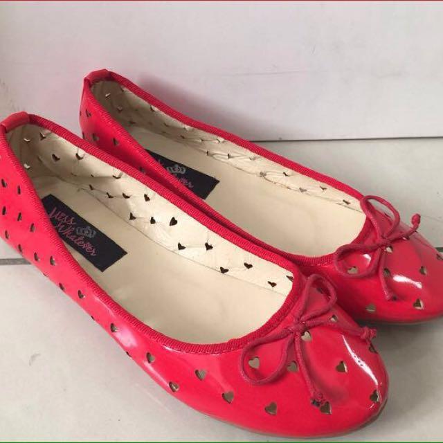Miss whatever flatshoes