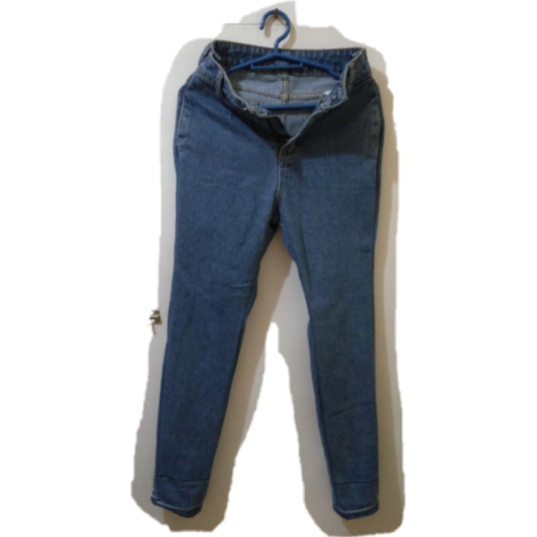 Mom Jeans (No brand)