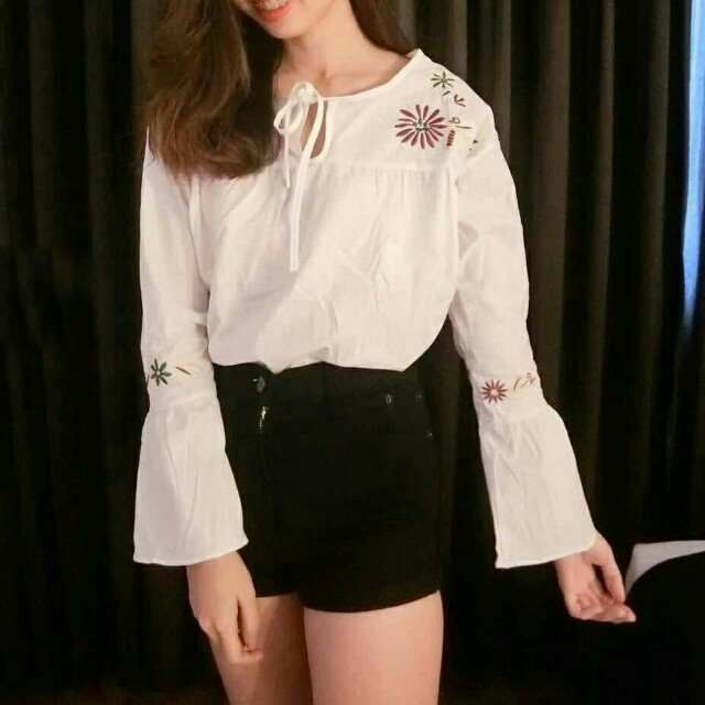 (NEW) Embroidered Ribbon Top