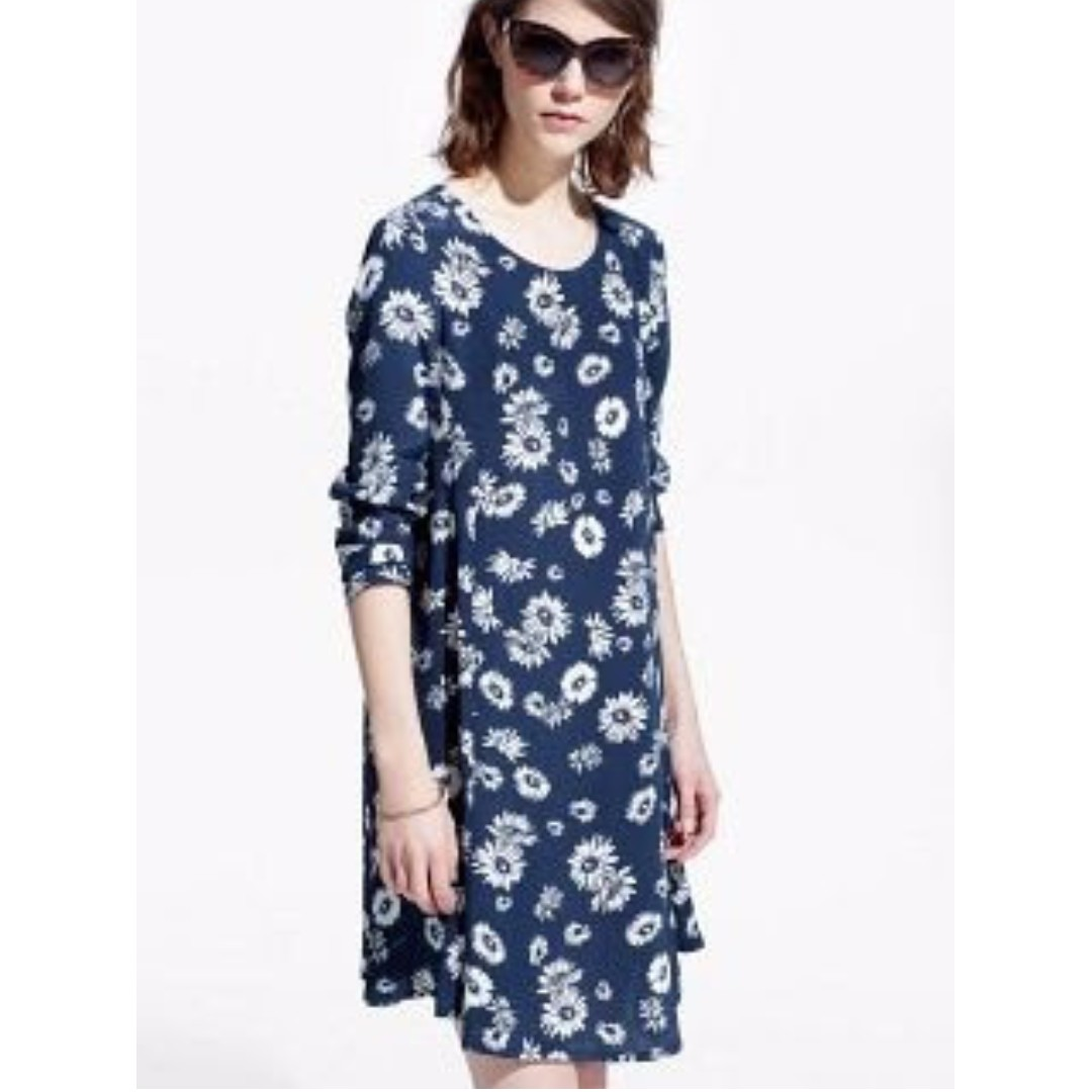 New Mango floral dress bell sleeves