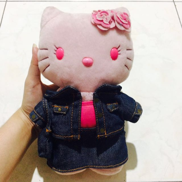 ORIGINAL HELLO KITTY IN DENIM SUIT STUFFED TOY ! ❤️