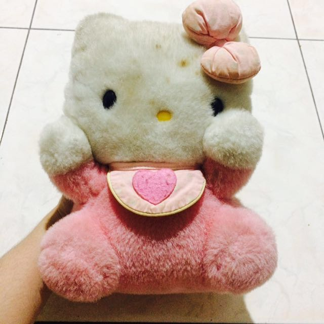 ORIGINAL HELLO KITTY STUFFED TOY ! ❤️