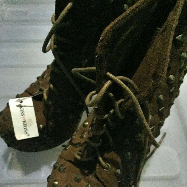 REPRICED: Kiss 💋 Kriss Boots