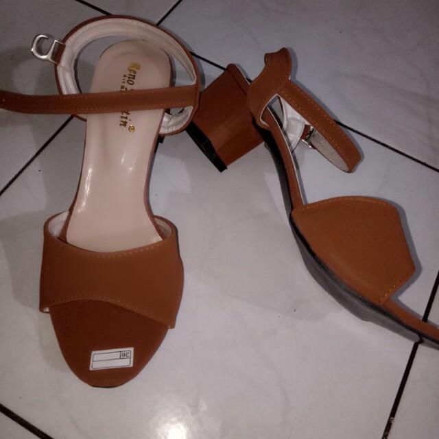 Sepatu high heels RENO MARTIN