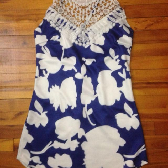 Size XS// Cross-Back Dress