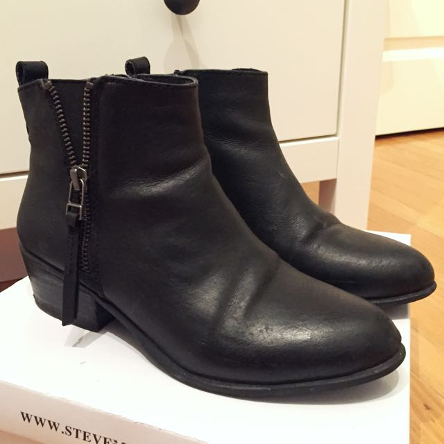 Steve Madden SADIE black leather booties 5.5