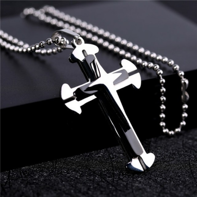 Titanium Cross Pendant Chain Necklace - Black NEW  • High Quality, made with Titanium • Comes with a Nice Chain