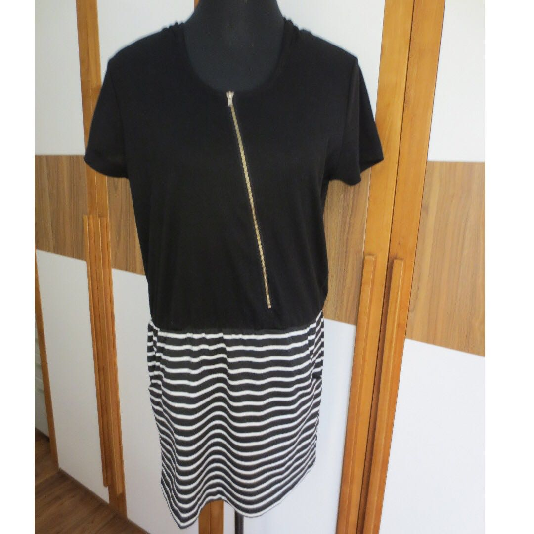 U dress with hood (rustan's brand)