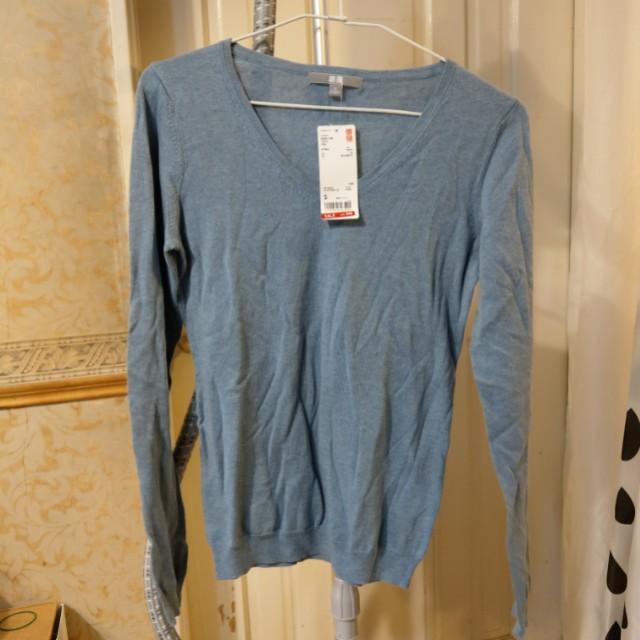 UNIQLO V領針織毛衣-10%喀什米爾羊毛