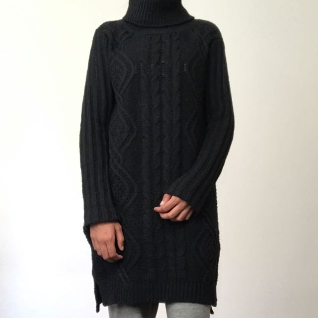 Urban culture high/low length turtle neck knit