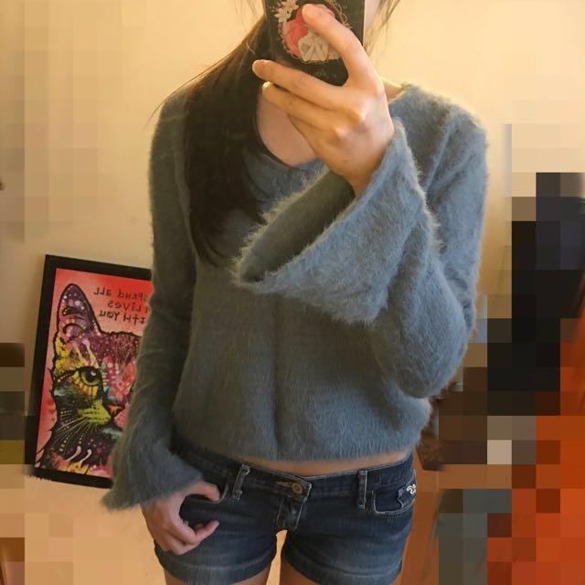 秋冬灰藍V領毛衣上衣短版