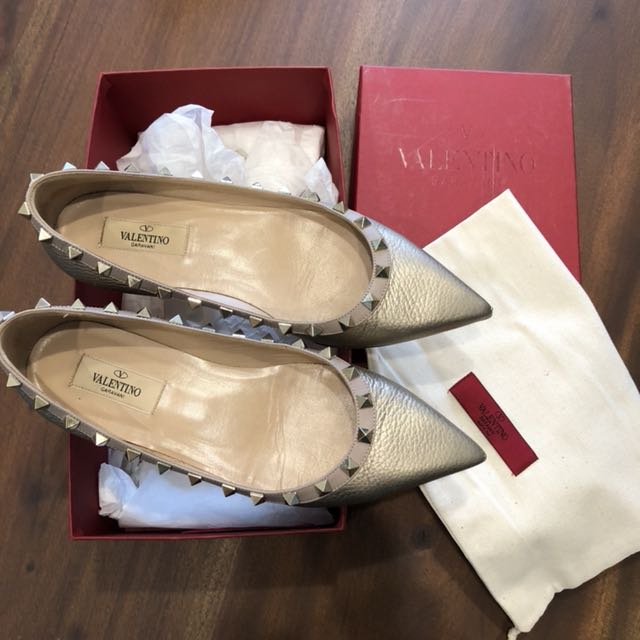 Valentino Rockstud Grained Gold Leather Authentic