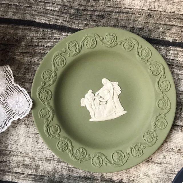 英國製Wedgwood Jasper 芥末綠碧玉浮雕圓形置物碟