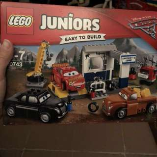 全新Lego 10743 Juniors 系列 Smokey's Garage