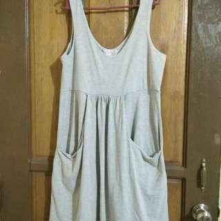 Gray dress with pocket
