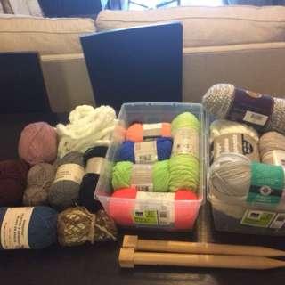 Bundles of yarn/knitting needles