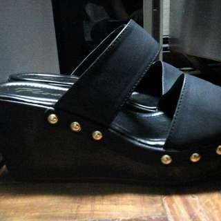 Brand New Floche Sandals